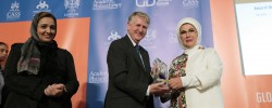 Turkish First Lady awarded for her humanitarian work
