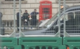 UK: Man with knives arrested near Parliament