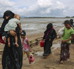 Myanmar: Mass graves of Rohingya Muslims found in Rakhine