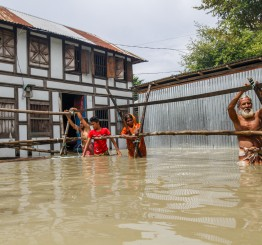 Bangladesh: Floods death toll up as conditions worsen