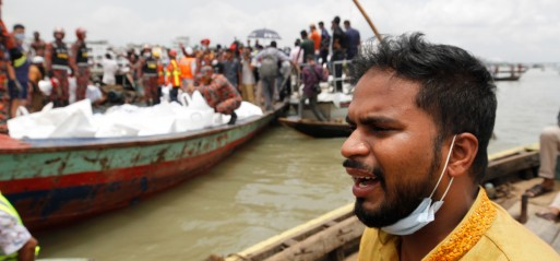 Bangladesh: Ferry sinks, leaving 33 dead