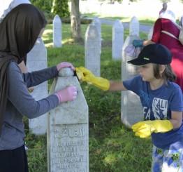 Srebrenica genocide still 'open wound': EU commissioner