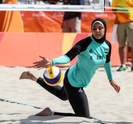 Brazil: Egypt's hijab-wearing beach volleyballer raises eyebrows in Rio