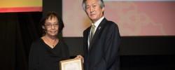 British Muslim professor wins global Tuberculosis Award