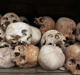 Cambodia: Khmer Rouge beheaded Muslim captives