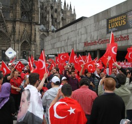 Germany: German court bans Erdogan video call to anti-coup rally