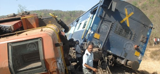 India: 23 dead, 150 injured as train derails in Uttar Pradesh
