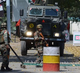 Pakistan: 2 Pakistani troops killed in border clashes with India