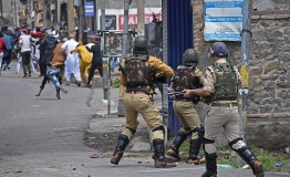 India extends president's rule over Jammu and Kashmir