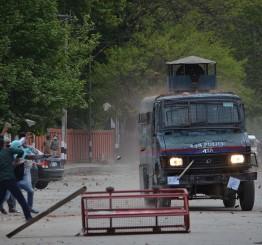 Jammu & Kashmir: Indian forces launch crackdown on Kashmiri villages