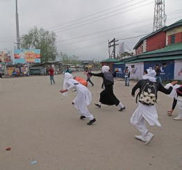 Jammu & Kashmir: Stone-throwing Kashmiri girls defy Indian armed forces