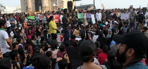 India: Hindu mob attacks top university campus injuring 35