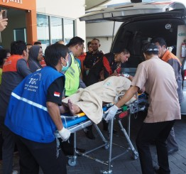 Indonesia: church bombings leave 13 dead, 43 injured