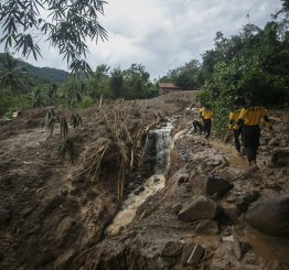 Indonesia: 35 dead after floods, landslides in Central Java