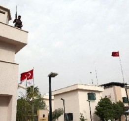 Iraq: ISIL seizes Turkish consulate in Mosul, takes diplomats captive
