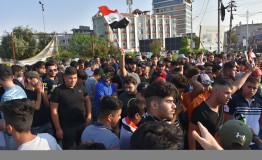 Iraq: Death toll climbs to 100 as protests spread