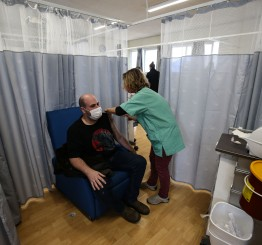 Palestine: Israeli bars entry of COVID-19 vaccines to Gaza Strip