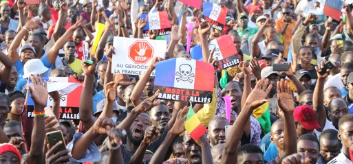 Mali to maintain support for French troops amid threats