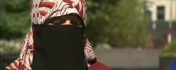 Strip searched Muslim woman to sue Chicago police