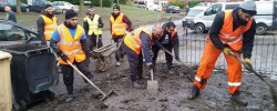 Muslim volunteers mobilise to aid victims of Storm Desmond floods