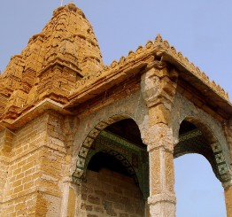 Pakistan: 200-year old temple returned to Hindus