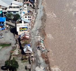 Pakistan flash floods kill dozens