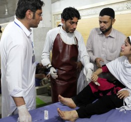 310 killed as powerful quake rocks Pakistan, Afghanistan