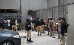 Pakistan: 9 killed as terrorists attack stock exchange
