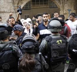 Palestine: Israeli forces storm Jerusalem's Al-Aqsa, injuring dozens