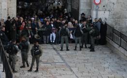 Palestine: Israel bars Palestinians from Al-Aqsa for Friday prayer