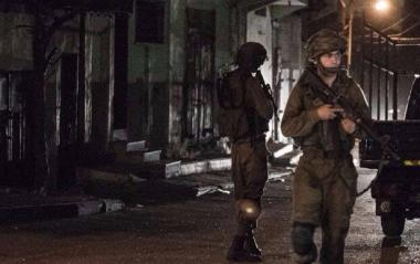 Palestine: Israeli police shoot Al-Aqsa Mosque imam after prayer