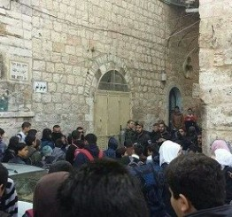 Palestine: Injuries reported as Israeli forces storm Al-Aqsa Mosque