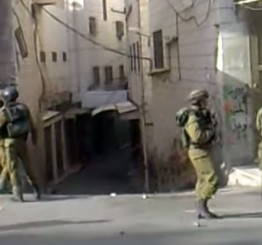 Palestine: Dozens of Palestinians injured in clashes with Israeli soldiers invading Hebron