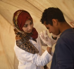Palestine: Israeli sniper kills Gazan paramedic at the back as she was treating injured