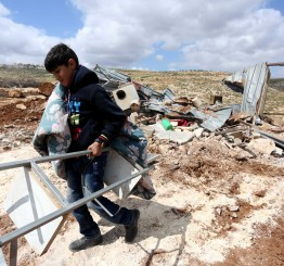 Palestine: Israel razes two classes in Bedouin school in Jerusalem