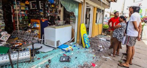 Sri Lanka: Anti-Muslim mob kills Muslim man, attacks Muslim shops, mosques
