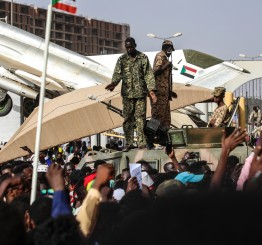 Sudanese continue protesting to demand civilian rule