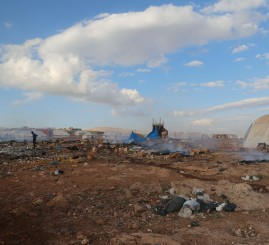 Syria: Warplane strikes refugee camp, kills 27