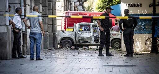 Tunisia: Twin suicide attacks target kills policeman in Tunis