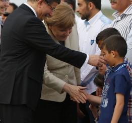 Turkey: Davutoglu, Merkel, Tusk visit refugees in SE Turkey