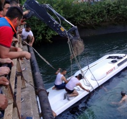 Turkey: Bus plunges into irrigation channel, 12 dead