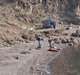Turkey: Ten dead as refugee boat sinks off western Turkey