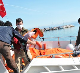 Turkey: Six refugees die as boat capsizes off Turkish coast