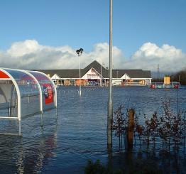 UK: Towns evacuated as Storm Desmond batters Cumbria region