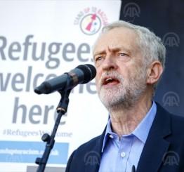 UK: Jeremy Corbyn wins opposition leadership