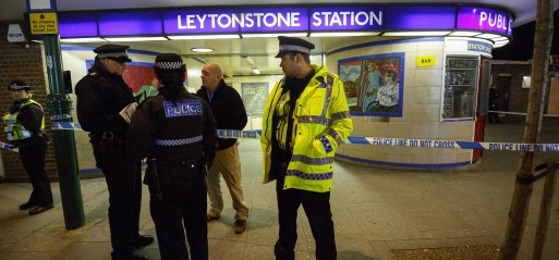 UK: Police arrest man in London Tube 'terrorist incident'