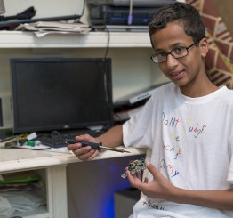 US 'clock boy' Ahmed moving to Qatar