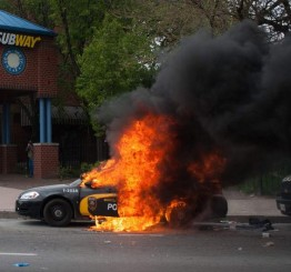 US: 'Thugs' ransack Baltimore on heels of peaceful protests for Gray