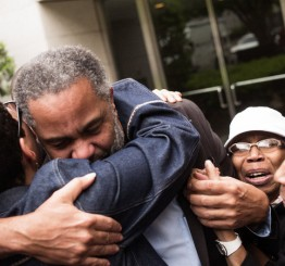 US man freed after 30 years on death row