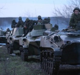 Ukraine: Putin warns Merkel of civil war in Ukraine